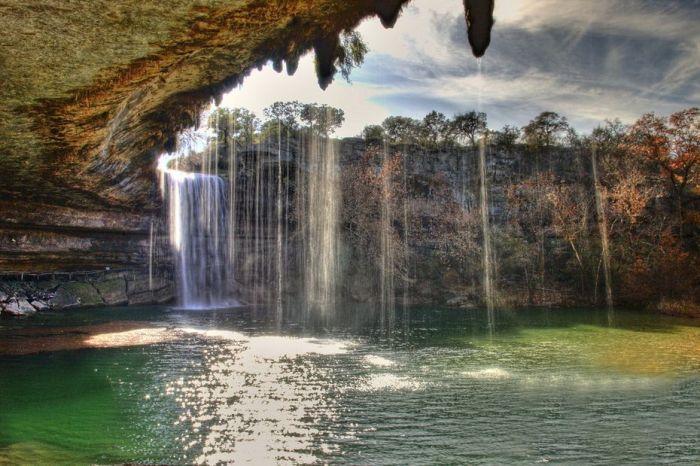 Фантастичної краси водоспад та озеро Гамільтона — Hamilton Pool (3)