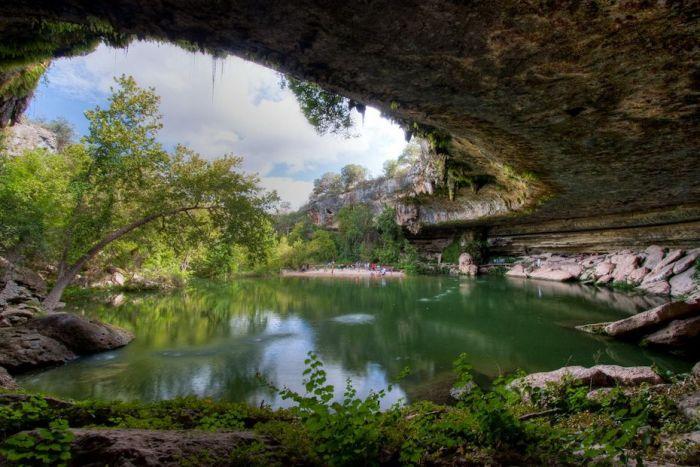 Фантастичної краси водоспад та озеро Гамільтона — Hamilton Pool (2)