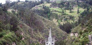 Грандіозний готичний собор Лас Лахас (Las Lajas Cathedral) в каньйоні річки, Колумбія (2)