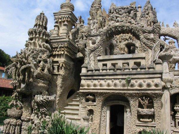 Неймовірний ідеальний замок (Palais idéal), побудований однією людиною за 33 роки (10)