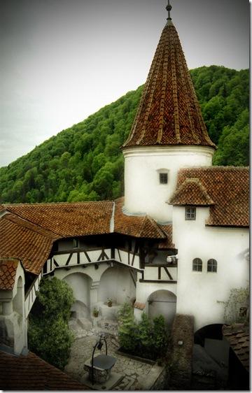 Славнозвісний румунський замок Бран. Замок Графа Дракули. (26)