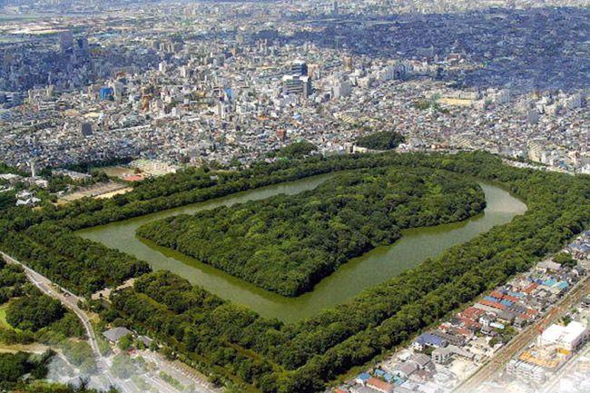 Курган в Осаці - найбільша гробниця в світі… (1)