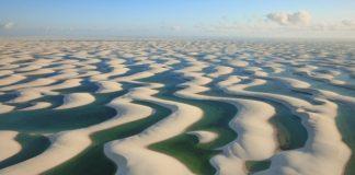 Фантастична краса білосніжних пісків національного парку Lencois Maranhenses в Бразилії (9)
