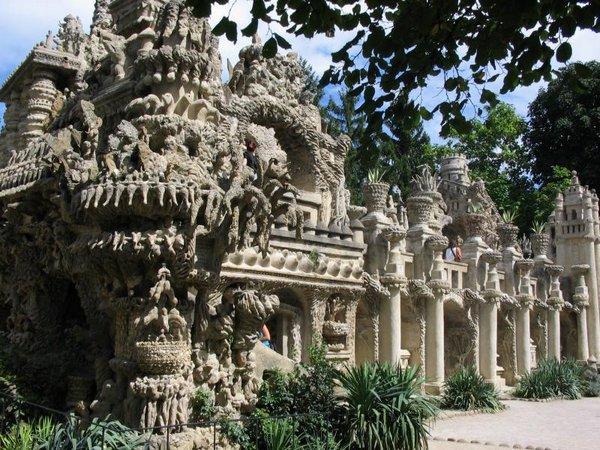 Неймовірний ідеальний замок (Palais idéal), побудований однією людиною за 33 роки (9)