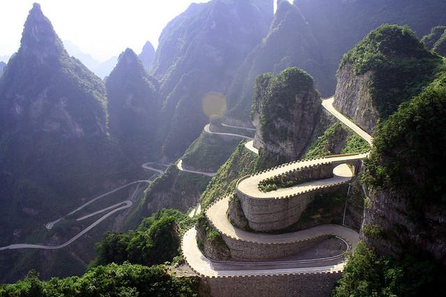 Дорога в небеса в Китаї — одна з найнебезпечніших доріг в світі (7)