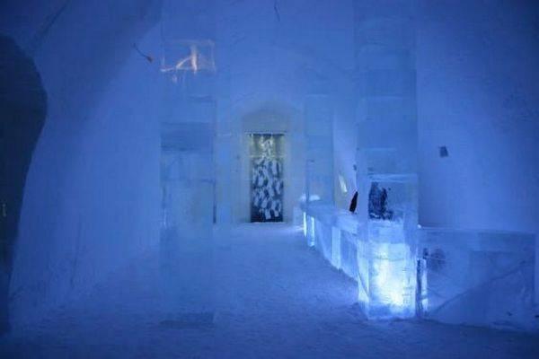 Королівство Снігової Королеви: незвичайний крижаний готель у Швеції (12)