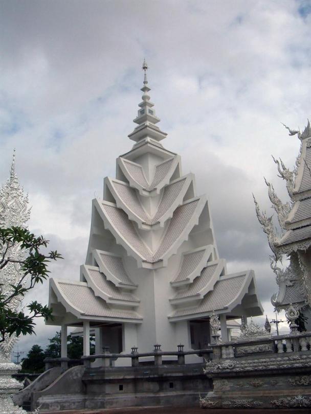 Wat Rong Khun, в перекладі Білий храм - найкрасивіший незвичайний буддійський храм в Таїланді (7)