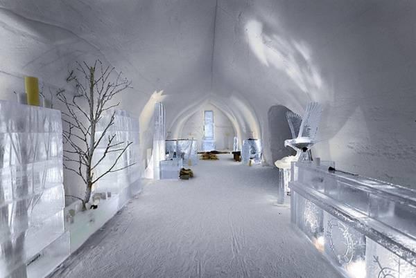 Королівство Снігової Королеви: незвичайний крижаний готель у Швеції (8)