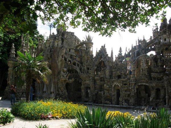 Неймовірний ідеальний замок (Palais idéal), побудований однією людиною за 33 роки (4)