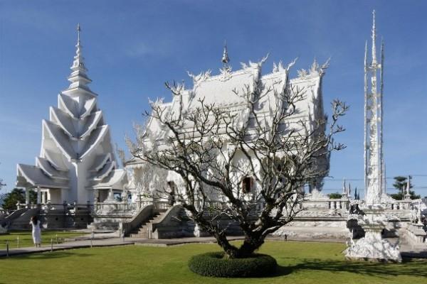 Wat Rong Khun, в перекладі Білий храм - найкрасивіший незвичайний буддійський храм в Таїланді (2)