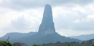 Пік Великої собаки або Чорний обеліск. Загадкова гора острова Сан-Томе (5)