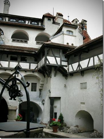 Славнозвісний румунський замок Бран. Замок Графа Дракули. (22)
