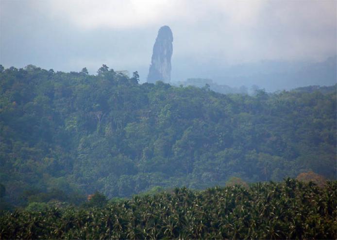 Пік Великої собаки або Чорний обеліск. Загадкова гора острова Сан-Томе (4)