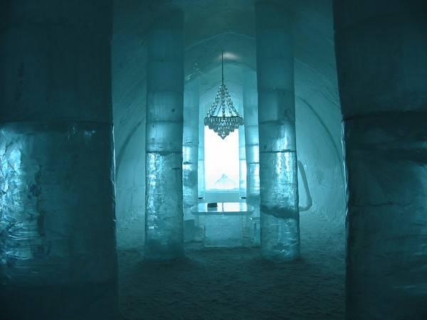 Королівство Снігової Королеви: незвичайний крижаний готель у Швеції (21)