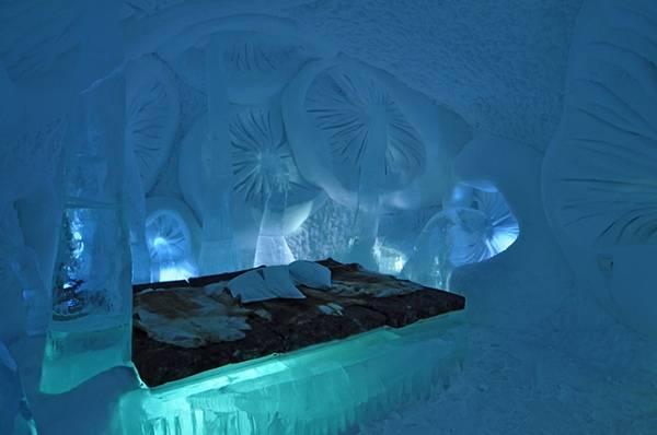 Королівство Снігової Королеви: незвичайний крижаний готель у Швеції (20)