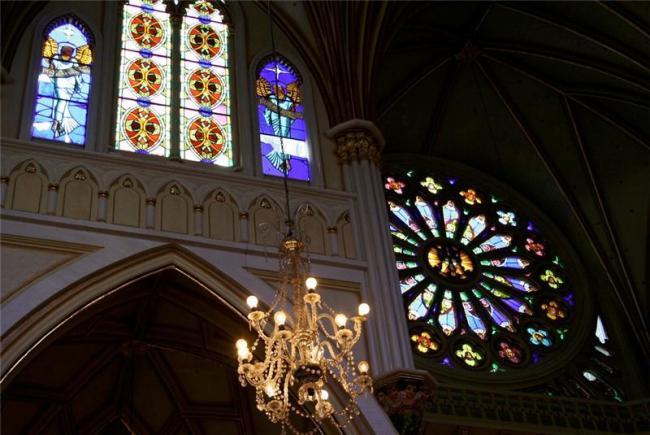 Грандіозний готичний собор Лас Лахас (Las Lajas Cathedral) в каньйоні річки, Колумбія (12)
