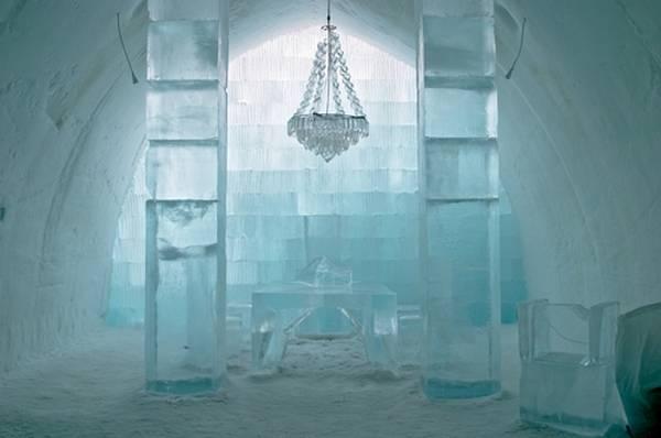 Королівство Снігової Королеви: незвичайний крижаний готель у Швеції (16)