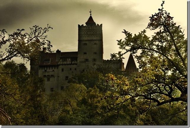 Славнозвісний румунський замок Бран. Замок Графа Дракули. (7)