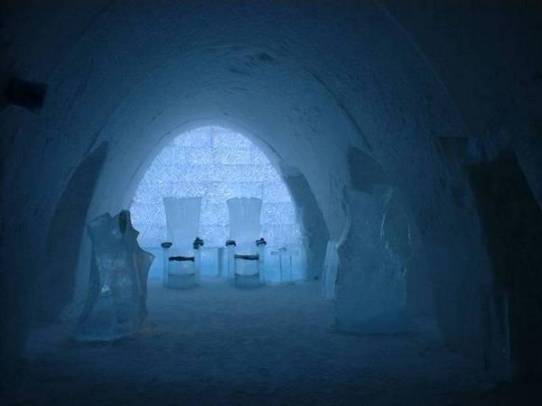 Королівство Снігової Королеви: незвичайний крижаний готель у Швеції (1)