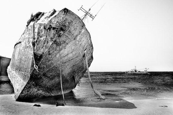 Куди йдуть судна в останню путь. Найбільше в світі кладовище кораблів (10)