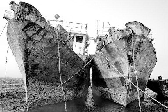 Куди йдуть судна в останню путь. Найбільше в світі кладовище кораблів (2)