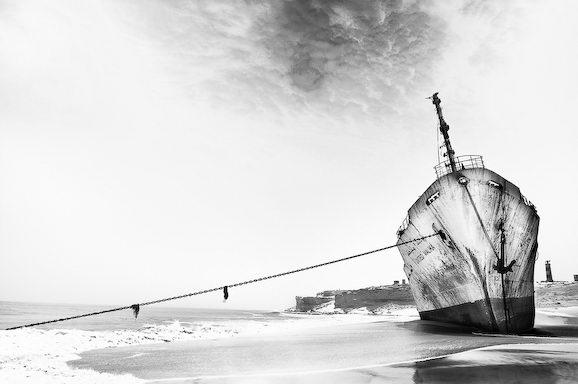 Куди йдуть судна в останню путь. Найбільше в світі кладовище кораблів (1)