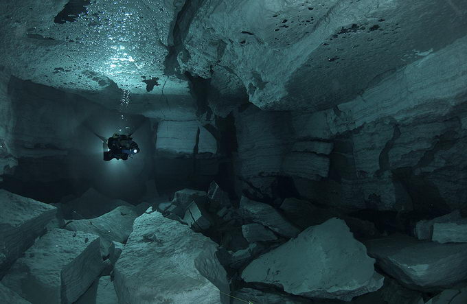 Ординська печера в Росії (1)