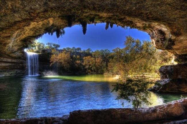 Фантастичної краси водоспад та озеро Гамільтона — Hamilton Pool (1)