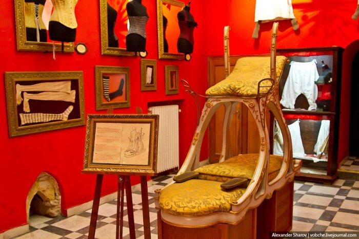 Музей еротики та секс-машин в Празі (22)