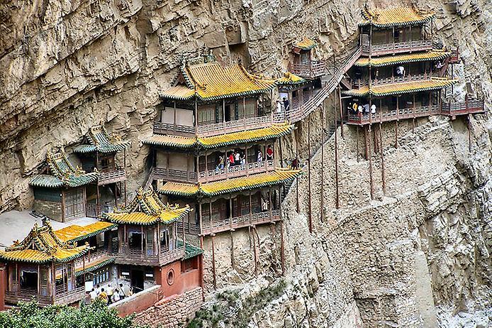 Один з найдивовижніших монастирів в світі — висячий храм гори Хенг (9)