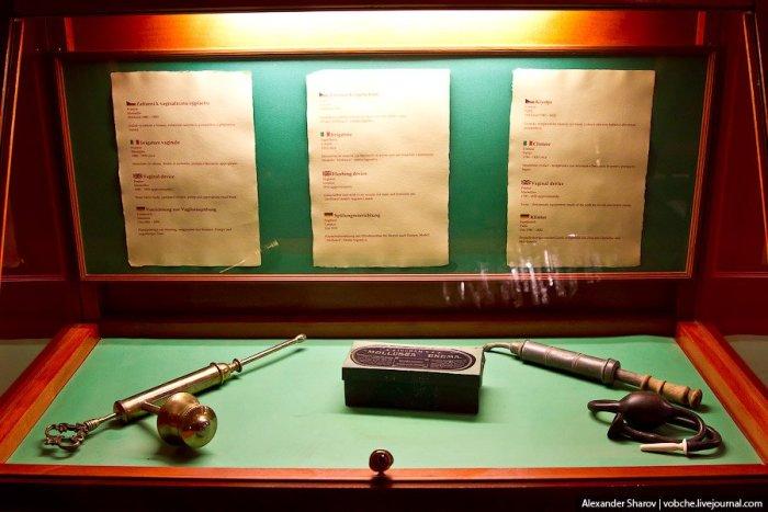 Музей еротики та секс-машин в Празі (19)
