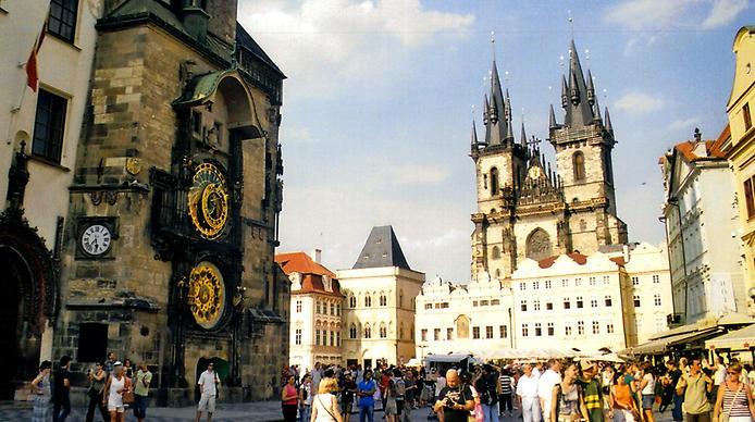 Староміська ратуша та Астрономічний Годинник (11)