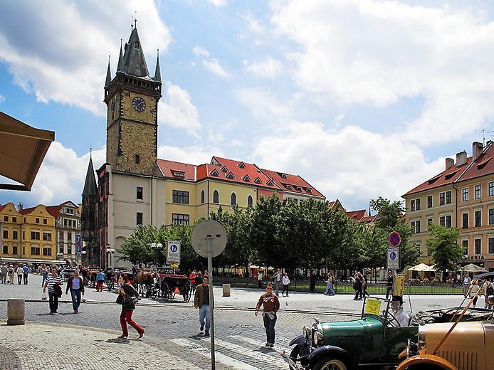 Староміська ратуша та Астрономічний Годинник (9)