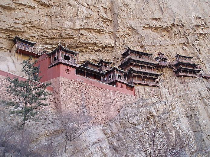 Один з найдивовижніших монастирів в світі — висячий храм гори Хенг (6)