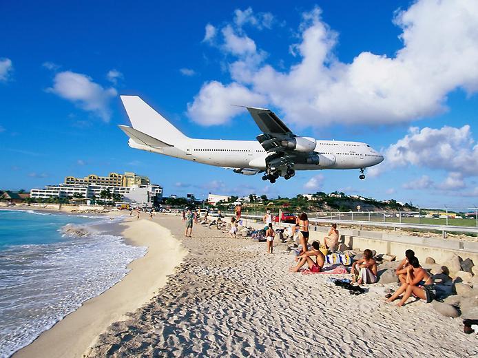 Унікальний аеропорт Принцеси Джуліани і пляж Махо Біч (1)