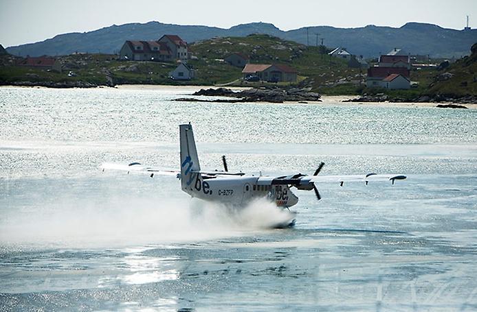Барра — єдиний в світі аеропорт на пляжі (9)