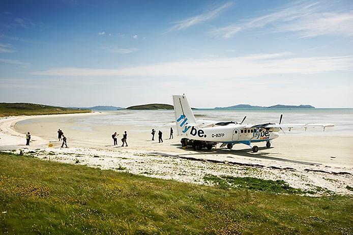 Барра — єдиний в світі аеропорт на пляжі (8)