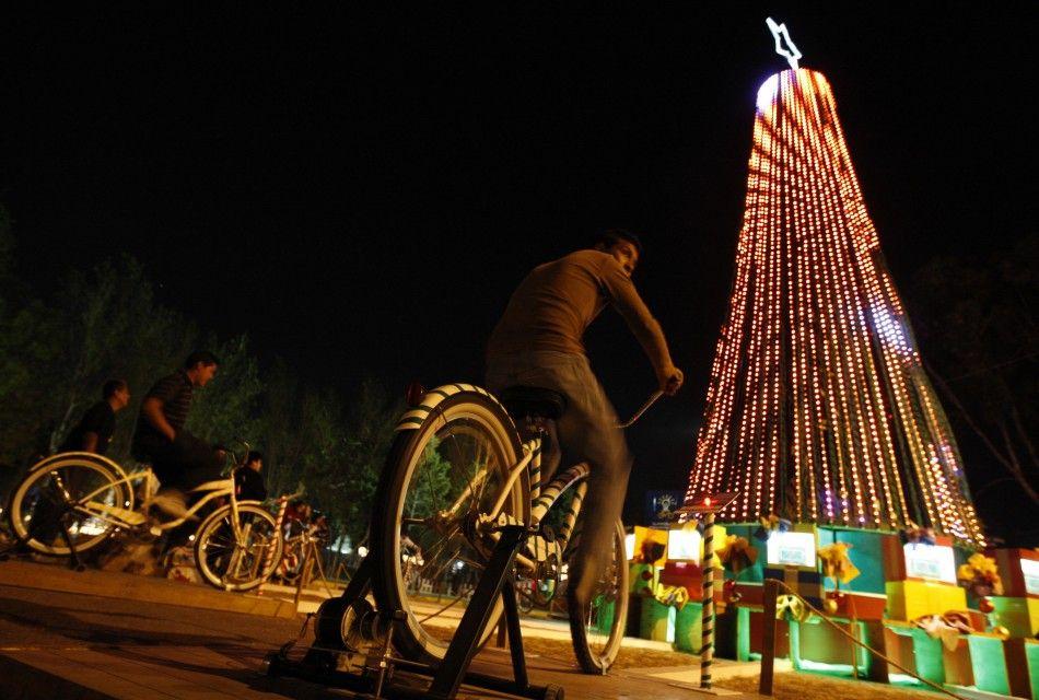 У мексиканському місті Пуебла вогні ялинки не будуть горіти, якщо ніхто не буде крутити педалі