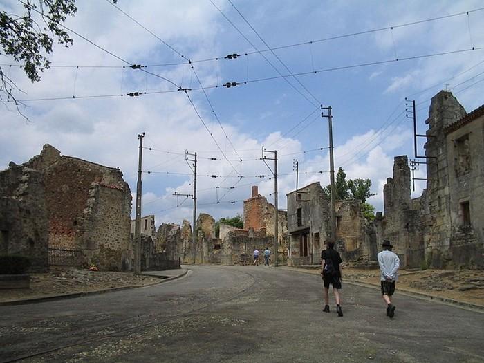 Зруйноване місто Орадур-сюр-Глан: страшний пам'ятник Другої Світової (5)