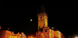 Староміська ратуша та Астрономічний Годинник (7)