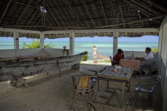 Найколоритніший ресторан морепродуктів на прибережній скелі (4)