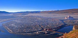 Найбільший в світі монастир під назвою Yarchen: 10 000 ченців на висоті 4 000 метрів (1)