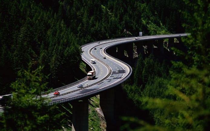 Фотографії найкрасивіших доріг (13)