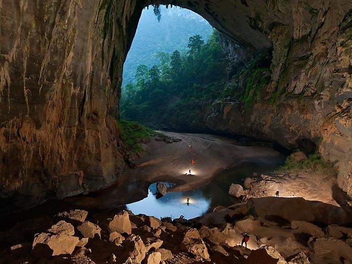 Хан Сон Дунг. Найбільша печера в світі (1)