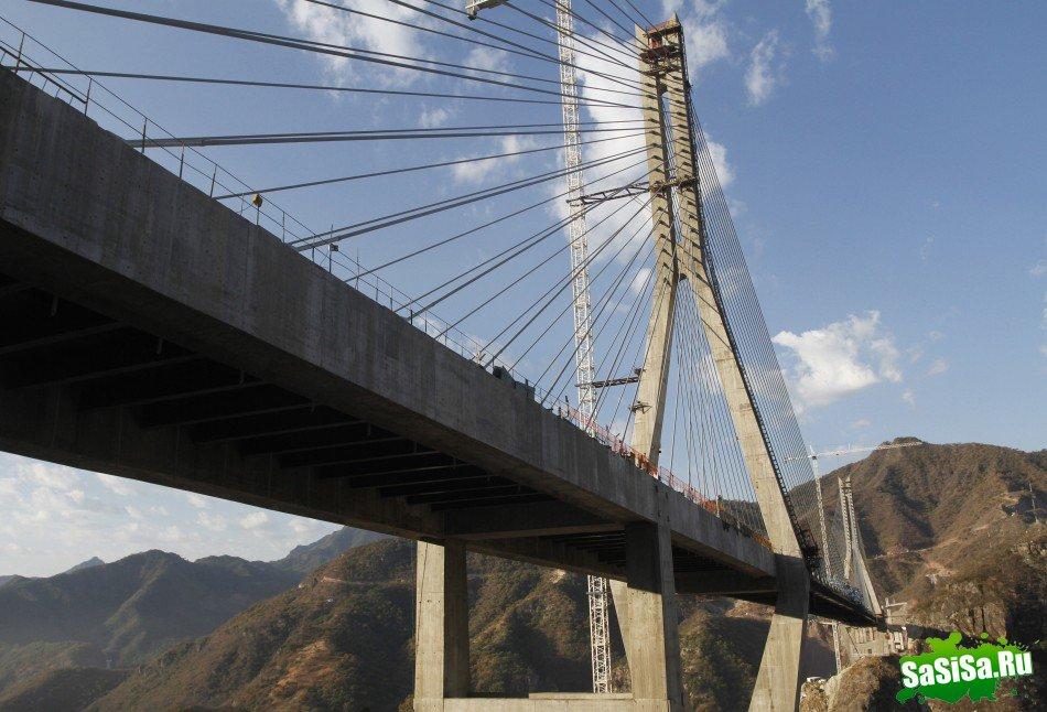 У Мексиці відкрито найвищий висячий міст у світі (3)