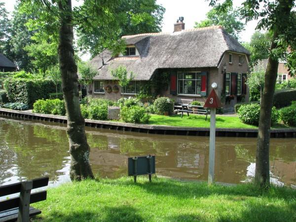 Гітхорн (Giethoorn) - село без доріг або Північна Венеція (1)