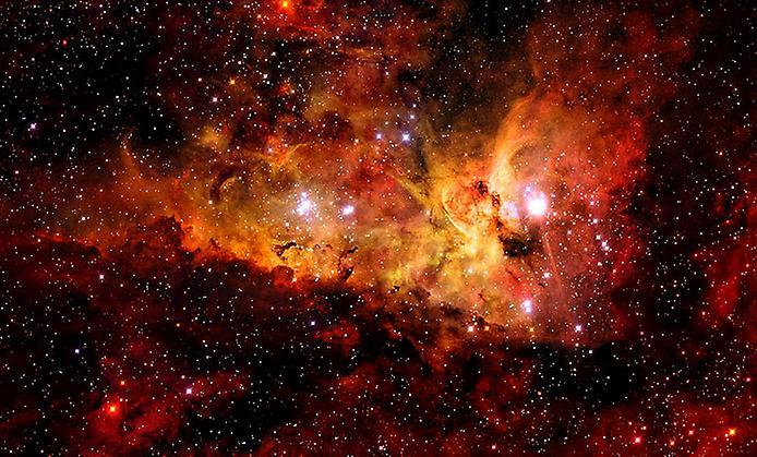 Туманність Кіля обертається навколо надзвичайно гарячою і масивної молодої зірки WR 22