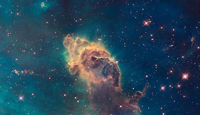 """Ще одна гарна частина Туманності Кіля схожа на мудрого старого мудреця з вказівним пальцем, а інша область, Туманність замкової щілини, взагалі скидається на руку з пальцем, за що її навіть неофіційно прозвали """"Пальцем Бога"""""""