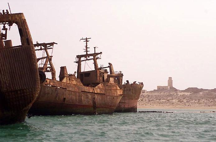 Найбільше у світі кладовище кораблів (8)