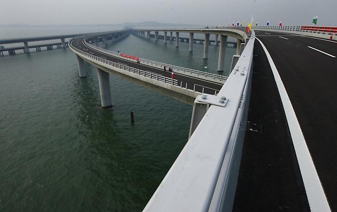 Унікальний міст Циньдао Гайвань. Найдовший міст в світі (3)